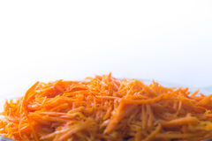 Świeża marchwiana sałatka z pikantność na białym tle Zdjęcie Stock