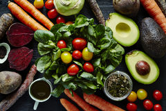 Świeża organicznie sałatkowa sceny rozmaitość składniki Zdjęcie Royalty Free