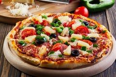 Świeża piec pizza Hawaii Obrazy Royalty Free