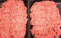 Świeża Zmielona wołowina w Czarnej Styrene tacy Zdjęcia Royalty Free