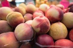 świeże brzoskwinie Owocowy brzoskwini tło fotografia royalty free