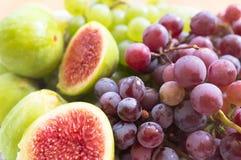 Świeże figi i winogrono Zdjęcie Royalty Free