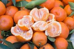Świeże mandarynki na rynku obraz royalty free
