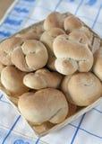 Świeże Nieociosane Chlebowe rolki zdjęcia stock