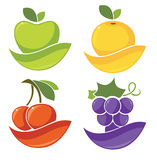 Świeże stylizowane owoc i jagody Zdjęcie Stock
