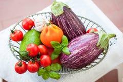świeże warzywa misek Zdjęcia Royalty Free