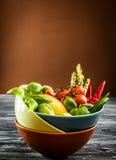 świeże warzywa misek zdjęcie stock