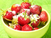 świeżego truskawki cukieru smakowity poniższy zdjęcie stock