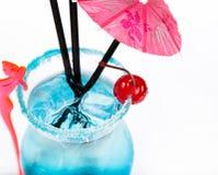 Świeżość koktajl z lodem w szkle z pić słomę zdjęcia stock