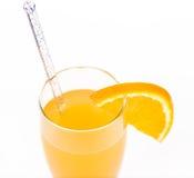 Świeżość koktajl z lodem w szkle z pić słomę obraz stock