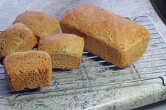 Świeżo piec domowej roboty chleba deaktywacja. Fotografia Royalty Free