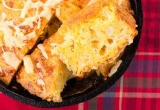Świeżo Piec Kukurydzany chleb zdjęcia stock