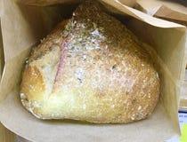 Świeżo piec oregano chleb fotografia royalty free