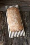 Świeżo piec tradycyjny ciabatta chleb zdjęcie stock