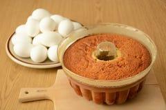 Świeżo piec wciąż fasole w kształcie i świeżych jajkach zdjęcia stock
