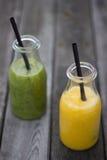 Świeżo przygotowany owocowy sok zdjęcia royalty free