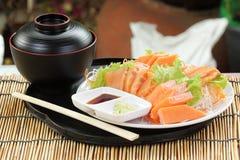 Świeży Łososiowy sashimi ustawiający na talerzu obraz royalty free