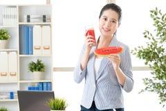 Świeży arbuza sok najlepszy, wykładowcy ` t próby koncentrata owocowy sok Fotografia Stock
