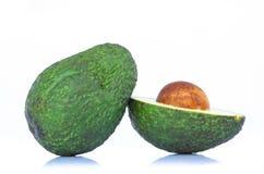 Świeży avocado plasterek odizolowywający na białym tle obrazy stock