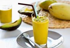 Avocado z Mangowym smoothie Zdjęcia Stock