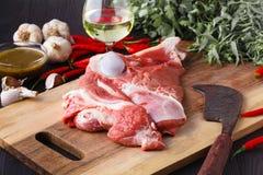 Świeży baranek gotowy dla kulinarnego grilla zdjęcia stock