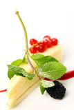 Świeży cheesecake deser z jagodami Obraz Stock