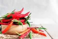 Świeży chili na drewnianym obrazy stock