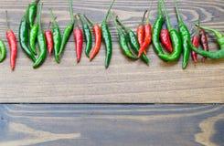 Świeży chili na drewnianym stole Zdjęcie Stock