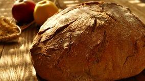 Świeży chleb na stole zbiory