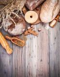 Świeży crispy chlebów piec bochenek i Fotografia Royalty Free