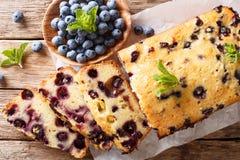 Świeży czarna jagoda bochenek chleba słodka bułeczka tort z nowym zbliżeniem Hor Fotografia Royalty Free