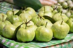 Świeży dojrzały guava na bananowym liścia tle Obraz Royalty Free