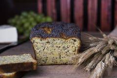 Świeży Domowej roboty Makowego ziarna chleb Zdjęcia Stock