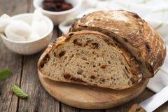 Świeży, domowej roboty, sourdough chleb zdjęcie royalty free
