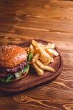 Świeży hamburgeru zbliżenie Zdjęcia Stock