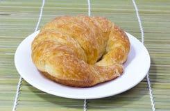 Świeży i smakowity croissant Fotografia Royalty Free