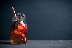 Świeży koktajl z truskawką i basilem w szkle Zdjęcia Stock