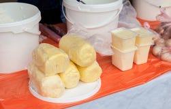 Świeży masło przygotowywający sprzedaż przy rynkiem Obrazy Stock