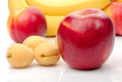 świeży owoc czerwieni kolor żółty Obrazy Royalty Free