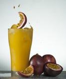 Świeży pasyjny owocowego soku pluśnięcie Obraz Stock
