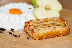 świeży piec jabłczany kulebiak Obrazy Royalty Free
