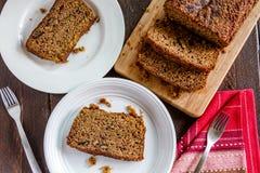 Świeży Piec Zucchini i Cynamonowy chleb Zdjęcia Stock