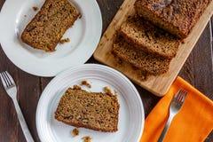 Świeży Piec Zucchini i Cynamonowy chleb Fotografia Royalty Free