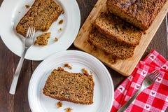 Świeży Piec Zucchini i Cynamonowy chleb Obrazy Stock