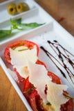 Świeży pomidorów, basilu, czosnku i parmesan ser, Zdjęcia Royalty Free