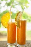Świeży sok z pineaple plasterkiem Obraz Royalty Free