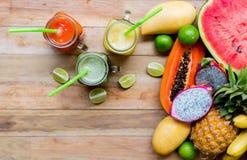 Świeży soku Smoothie z tropikalnymi owoc Obraz Stock