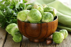 Świeży surowy zielony Brussel - flance fotografia stock