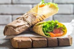 Świeży tortilla opakunek obraz stock