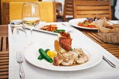 Świeży zdrowy jedzenie z chiken i warzywa Fotografia Royalty Free